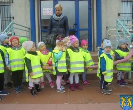 Przedszkolaki z Baśniowej Krainy na spotkaniu z Komisarzem Lwem (37)