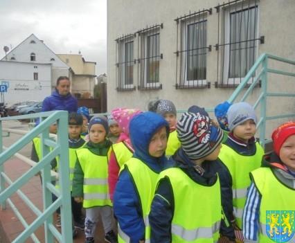 Przedszkolaki z Baśniowej Krainy na spotkaniu z Komisarzem Lwem (38)