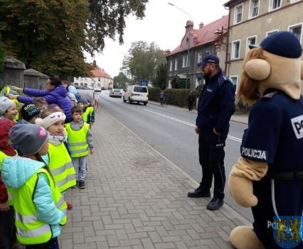 Przedszkolaki z Baśniowej Krainy na spotkaniu z Komisarzem Lwem (4)