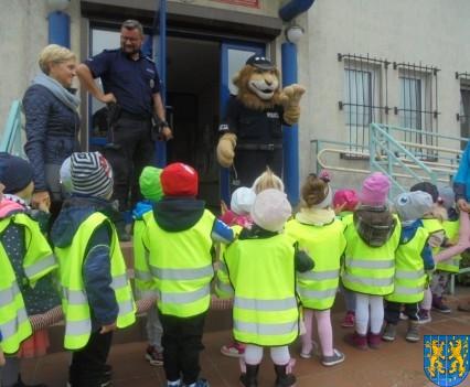 Przedszkolaki z Baśniowej Krainy na spotkaniu z Komisarzem Lwem (41)