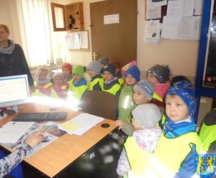 Przedszkolaki z Baśniowej Krainy na spotkaniu z Komisarzem Lwem (43)