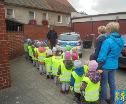 Przedszkolaki z Baśniowej Krainy na spotkaniu z Komisarzem Lwem (47)