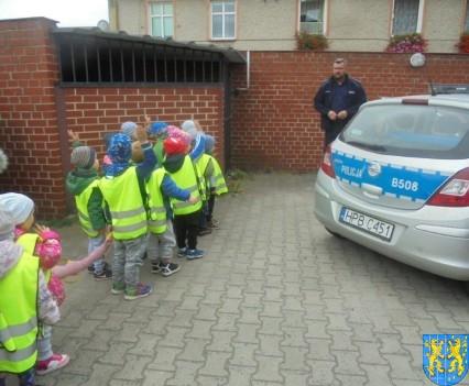 Przedszkolaki z Baśniowej Krainy na spotkaniu z Komisarzem Lwem (48)