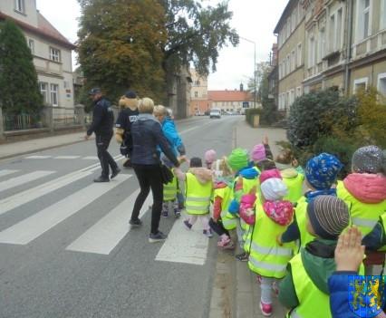 Przedszkolaki z Baśniowej Krainy na spotkaniu z Komisarzem Lwem (58)