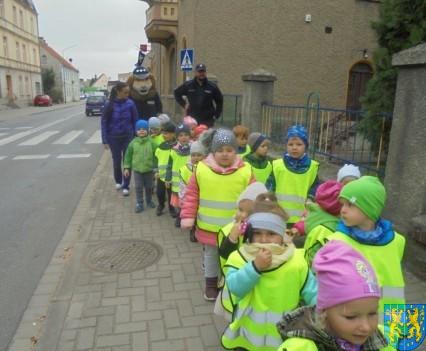 Przedszkolaki z Baśniowej Krainy na spotkaniu z Komisarzem Lwem (59)