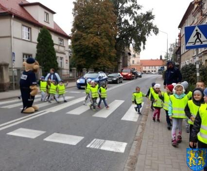 Przedszkolaki z Baśniowej Krainy na spotkaniu z Komisarzem Lwem (6)