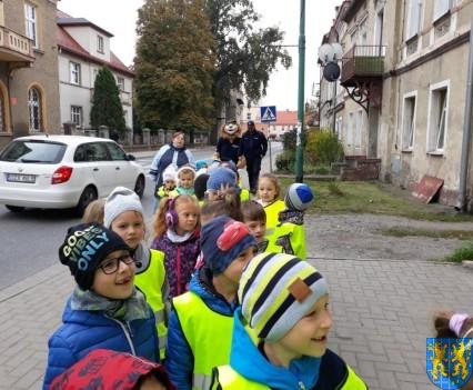 Przedszkolaki z Baśniowej Krainy na spotkaniu z Komisarzem Lwem (8)
