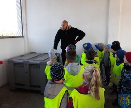 Przedszkolaki z wizytowały Punkt Selektywnej Zbiórki (15)