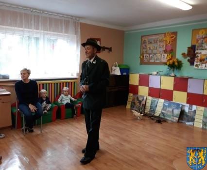 Spotkanie z myśliwym w Baśniowej Krainie (1)