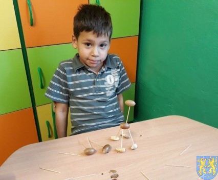 Jesienna twórczość przedszkolaków (8)