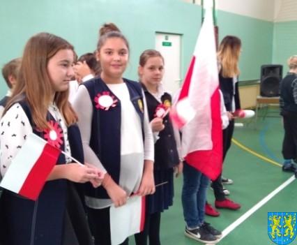 Rekord dla Niepodległej w Szkole Podstawowej nr 2 im Papieża Jana Pawła II (14)
