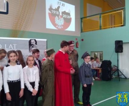 Rekord dla Niepodległej w Szkole Podstawowej nr 2 im Papieża Jana Pawła II (18)