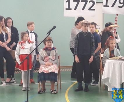 Rekord dla Niepodległej w Szkole Podstawowej nr 2 im Papieża Jana Pawła II (22)