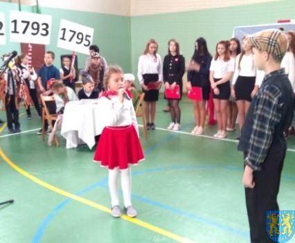 Rekord dla Niepodległej w Szkole Podstawowej nr 2 im Papieża Jana Pawła II (34)