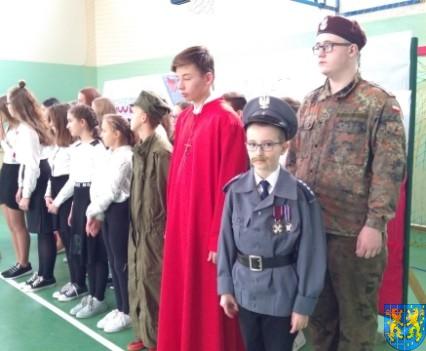 Rekord dla Niepodległej w Szkole Podstawowej nr 2 im Papieża Jana Pawła II (37)