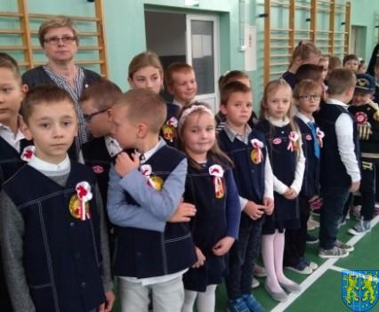 Rekord dla Niepodległej w Szkole Podstawowej nr 2 im Papieża Jana Pawła II (4)