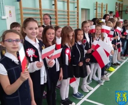 Rekord dla Niepodległej w Szkole Podstawowej nr 2 im Papieża Jana Pawła II (7)