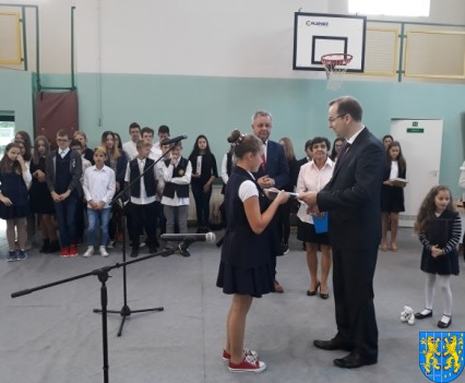 Stypendia Wójta Gminy Kamieniec Ząbkowicki dla uczniów kamienieckiej Dwójki (13)