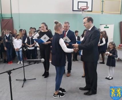Stypendia Wójta Gminy Kamieniec Ząbkowicki dla uczniów kamienieckiej Dwójki (5)
