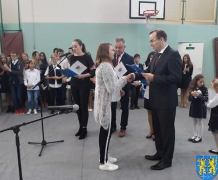 Stypendia Wójta Gminy Kamieniec Ząbkowicki dla uczniów kamienieckiej Dwójki (6)