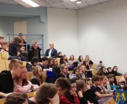 Młodzi z Kamieńca we Wrocławiu poznają naukowe odkrycia_04