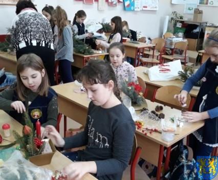 Szkolny kiermasz bożonarodzeniowy (11)