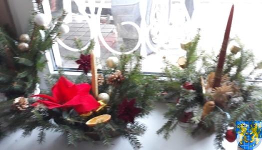 Szkolny kiermasz bożonarodzeniowy