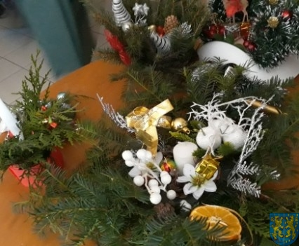 Szkolny kiermasz bożonarodzeniowy (35)