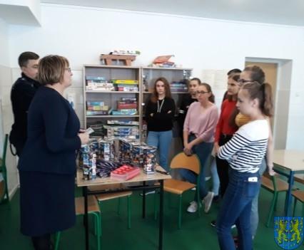 Uczniowie kamienieckiej Dwójki wolontariuszami WOŚP 2019__003