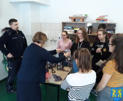 Uczniowie kamienieckiej Dwójki wolontariuszami WOŚP 2019__006
