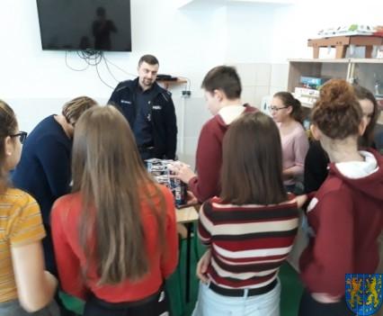 Uczniowie kamienieckiej Dwójki wolontariuszami WOŚP 2019__008