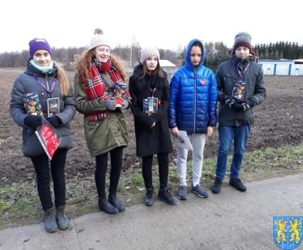 Uczniowie kamienieckiej Dwójki wolontariuszami WOŚP 2019__049