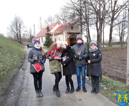 Uczniowie kamienieckiej Dwójki wolontariuszami WOŚP 2019__050