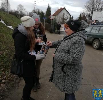Uczniowie kamienieckiej Dwójki wolontariuszami WOŚP 2019_12