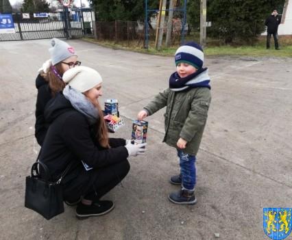 Uczniowie kamienieckiej Dwójki wolontariuszami WOŚP 2019_10