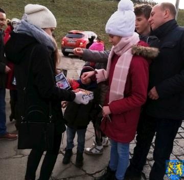 Uczniowie kamienieckiej Dwójki wolontariuszami WOŚP 2019_3