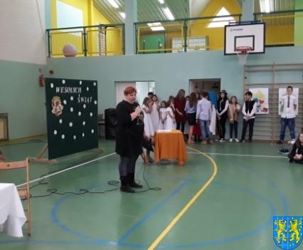 Wigilijne serdeczności w Szkole Podstawowej nr 2 im Papieża Jana Pawła II (1)