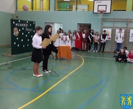 Wigilijne serdeczności w Szkole Podstawowej nr 2 im Papieża Jana Pawła II (3)