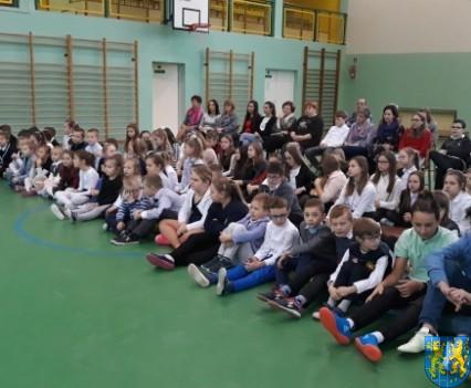 Wigilijne serdeczności w Szkole Podstawowej nr 2 im Papieża Jana Pawła II (4)