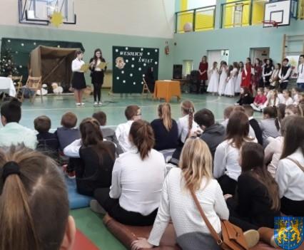 Wigilijne serdeczności w Szkole Podstawowej nr 2 im Papieża Jana Pawła II (6)