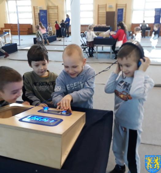 Przedszkolaki w Naukobusie23