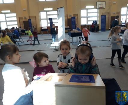Przedszkolaki w Naukobusie29