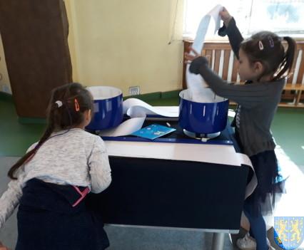 Przedszkolaki w Naukobusie9
