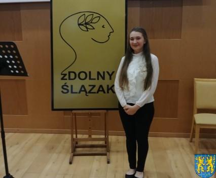 Uczennica z Kamieńca Ząbkowickiego nagrodzona1