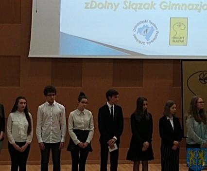 Uczennica z Kamieńca Ząbkowickiego nagrodzona2