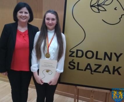 Uczennica z Kamieńca Ząbkowickiego nagrodzona5