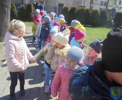 Przedszkolaki uwielbiają spacery10