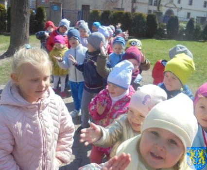 Przedszkolaki uwielbiają spacery11