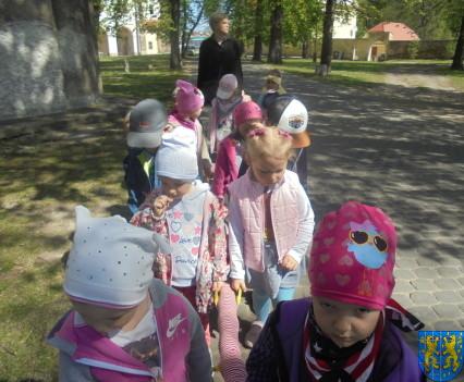 Przedszkolaki uwielbiają spacery28