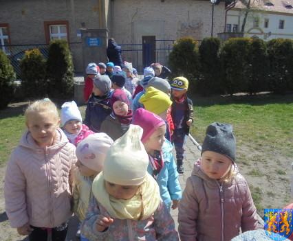 Przedszkolaki uwielbiają spacery8